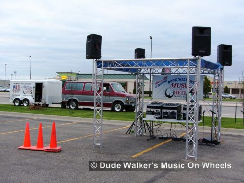 Dude Walkers Music On Wheels Car Show Pics - Broadcast Booth
